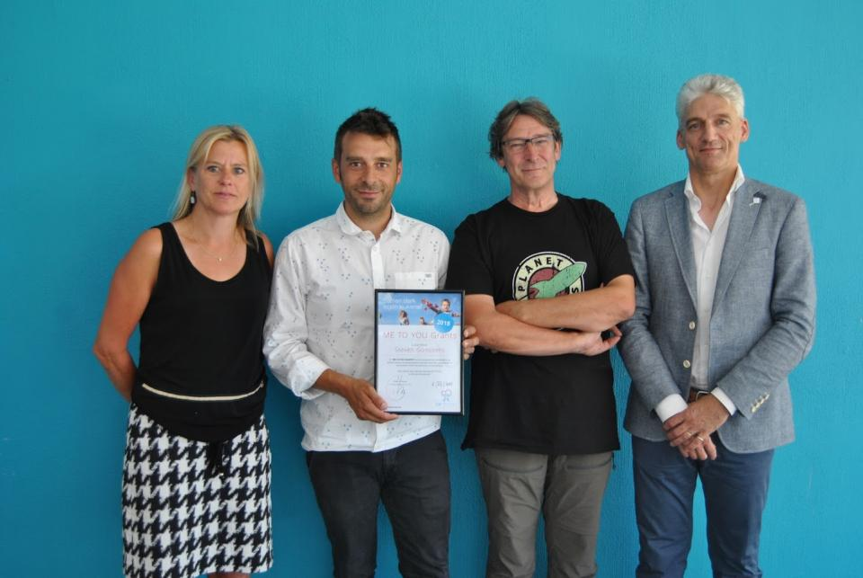 Steven Goossens receives 'Me to You' grant (1)