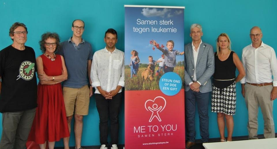Steven Goossens receives 'Me to You' grant (3)